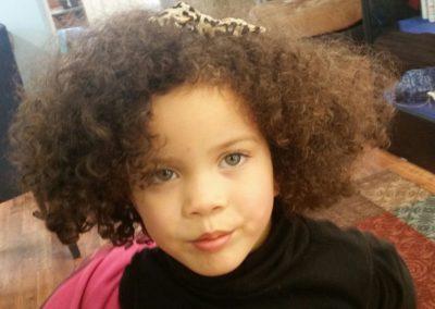 Kids-Little-girl-curls